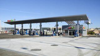La AOP tilda de confusa la nueva forma de mostrar el precio de los combustibles en gasolineras
