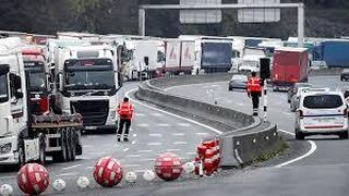 El control de la frontera francesa afecta a más de 20.000 transportistas al día
