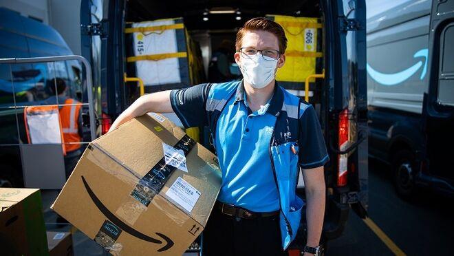 Amazon compra más de 700 camiones de gas natural comprimido