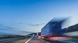 ¿Puede un camión de 700 cv consumir menos que uno de 400?