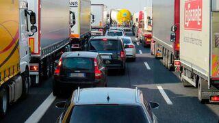 El BOE publica las restricciones para camiones en Cataluña