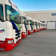 Scania entrega diez R450 a Transportes Hermanos Corredor