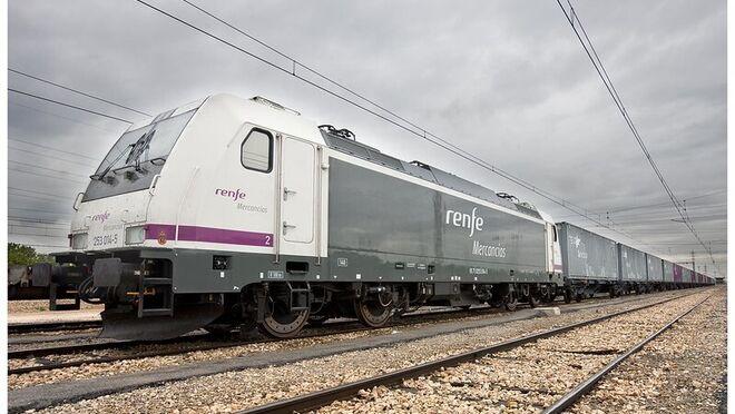 Las toneladas transportadas por Renfe se desploman un 50% en 15 años