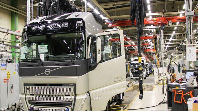Volvo ya produce en serie su nueva gama pesada
