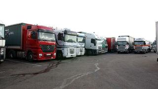 Los transportistas valencianos denuncian el mal servicio para las ITV de camiones