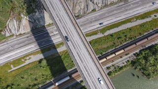 Levantadas las restricciones a camiones en el Puente de San José