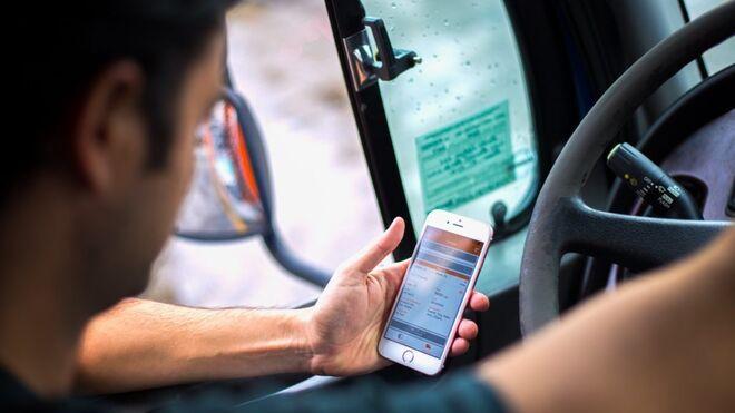 Sanciones más duras por usar el móvil o no ponerse el cinturón
