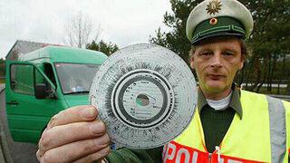 La UE aclara que la falta de discos del tacógrafo solo puede conllevar una única sanción