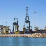 Grimaldi compra a Armas Trasmediterránea cinco buques y dos terminales