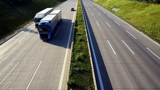 Los transportistas gallegos denuncian los atascos en la frontera portuguesa