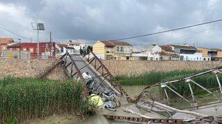 El PP pide al Ayuntamiento de Murcia que retire el camión precipitado al río Segura