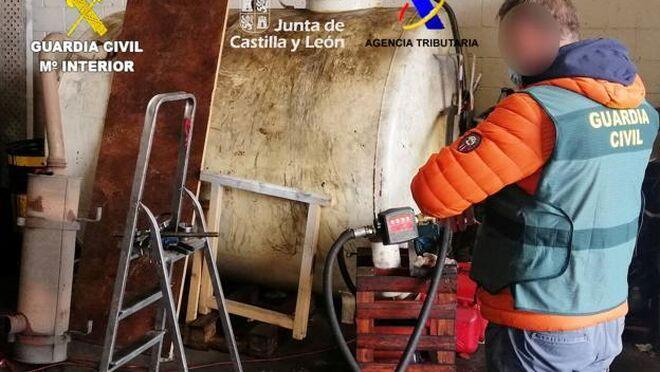 La Guardia Civil destapa el fraude de una empresa de León que usaba gasóleo agrícola en sus furgonetas