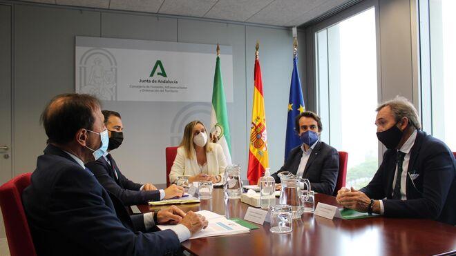 El transporte andaluz visualiza su oposición a los nuevos peajes