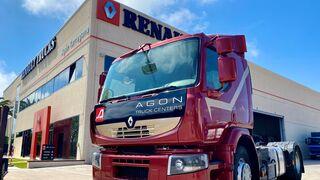Agon Truck Centers (Renault Trucks) entrega un camión de formación al Instituto Pere Martell