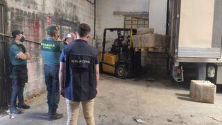 La Guardia Civil requisa varios camiones y furgonetas en una operación antidrogas en Sevilla