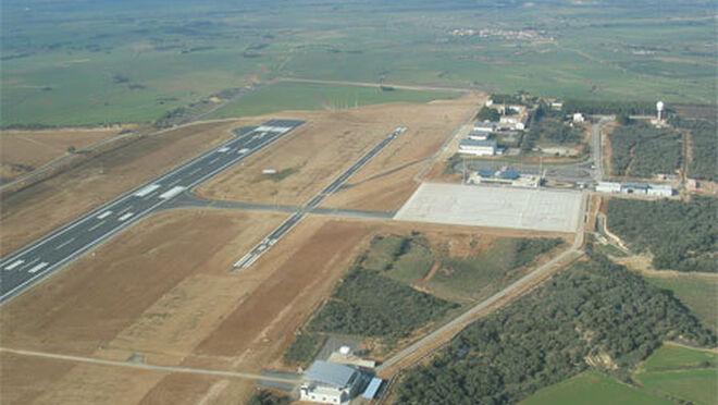 El Gobierno de Aragón estudia que el aeropuerto de Huesca pueda tener uso para mercancías