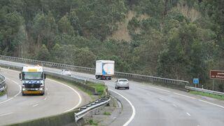 El sector del transporte reclama rebajas del 50% en los peajes de la AP-9