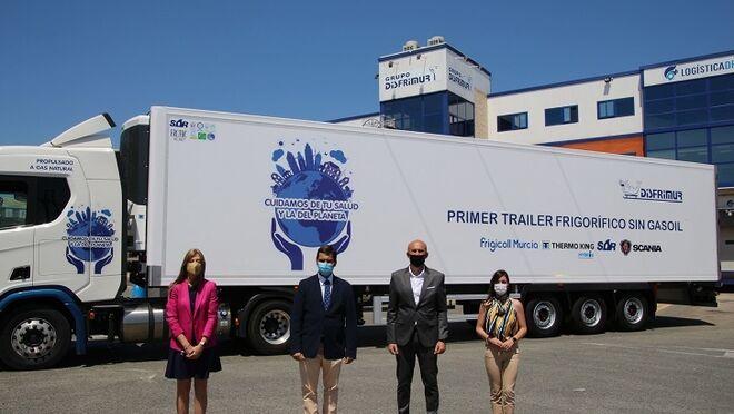 SOR Ibérica entrega a Disfrimur el primer tráiler frigorífico sin gasoil de España