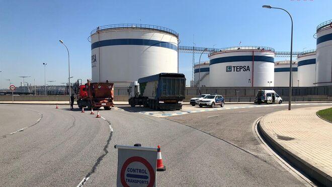 Una inspección de transporte de residuos en el Puerto de Barcelona certifica el cumplimiento de la normativa