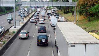 """Los transportistas franceses denuncian que la ecotasa es """"ineficaz y demagógica"""""""