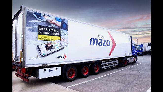 Dura campaña de concienciación de Grupo Mazo sobre el uso del móvil entre sus conductores