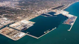 Los transportistas del Puerto de Castellón convocan una huelga indefinida desde el 12 de julio