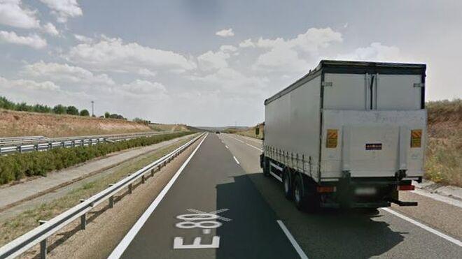 Un camionero, denunciado por conducir 15 horas en una jornada