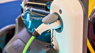 """Los fabricantes creen que prohibir los vehículos de combustión no es """"racional"""""""