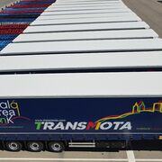 LeciTrailer entrega 18 lonas Multipunto a Transmota