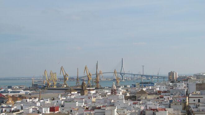 El tráfico de mercancías en puertos es aún un 6,9% inferior al de la prepandemia