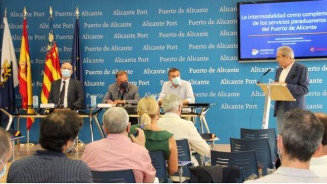 Nueva ruta ferroviaria que unirá el Puerto de Alicante con el Reino Unido