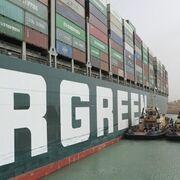 El Ever Given atraca en el puerto de Róterdam con más de tres meses de retraso