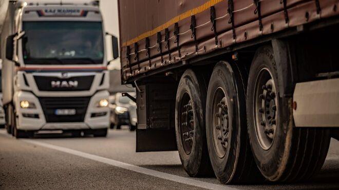 Los transportistas sufren en Lérida una nueva prohibición para circular por la N-240