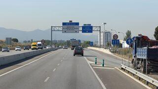 Cataluña decide prohibir a los camiones circular por la AP-7 los domingos