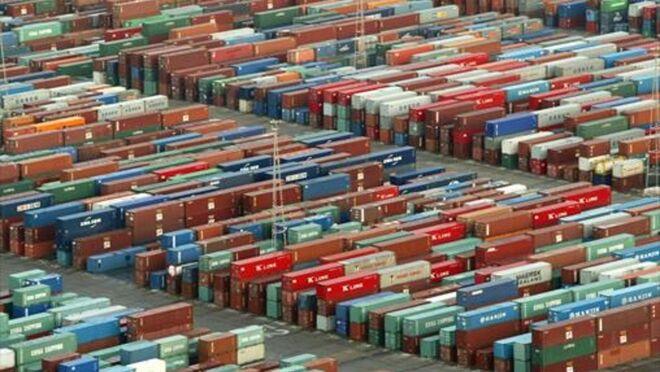 Los transportistas portuarios de Barcelona, contra la prohibición de camiones por la AP7