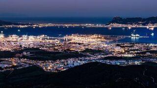 El puerto de Algeciras frena en agosto la caída del tráfico de mercancías