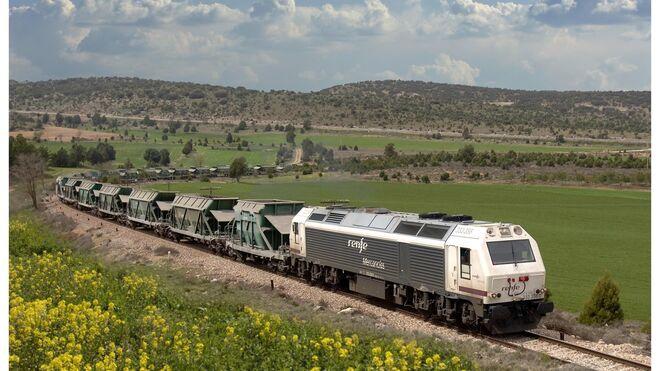 Renfe Mercancías compra 12 locomotoras por importe de 178 millones