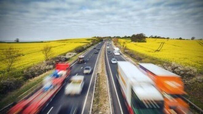 Militares ya ejercen de transportistas en Reino Unido ante la escasez de conductores profesionales