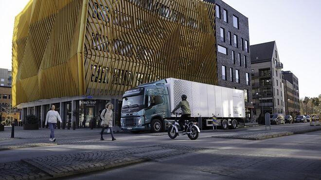 Volvo Trucks acuerda la entrega de 100 camiones eléctricos a DFDS