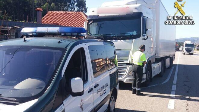 Los dueños de dos talleres y el de una empresa de transporte, investigados por falsedad documental