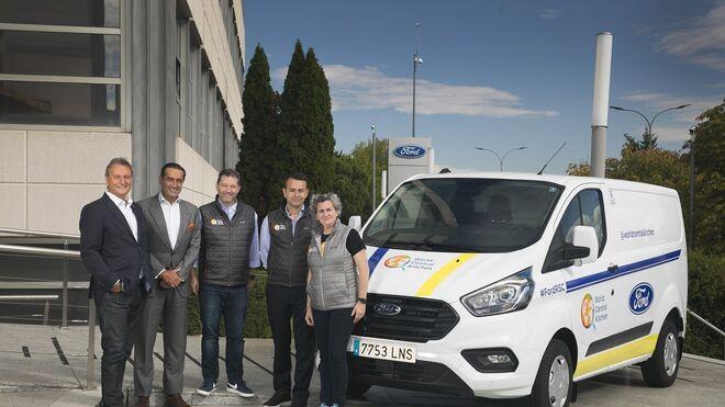Ford cede una Transit a la ONG del chef José Andrés