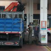 Francia y Portugal sí toman medidas frente a la escalada en el precio de los carburantes
