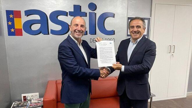 La patronal de estaciones de servicio firma el Pacto Verde